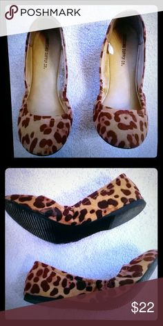 Mossimo Ballet Leopard Flats Only worn once. In excellent condition. Mossimo Supply Co. Shoes Flats & Loafers