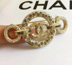 e1ca5f00424 474 meilleures images du tableau Bijoux Chanel en 2019
