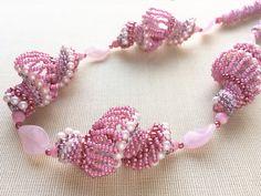 ローズピンクのモコモコネックレス (Rose pink Mokomoko necklace) Jewelry from Japan