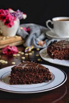Νηστίσιμο κέικ σοκολάτας με κομμάτια κουβερτούρας - Just life Desserts, Food, Tailgate Desserts, Deserts, Essen, Postres, Meals, Dessert, Yemek