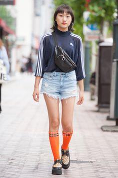 Shibuya Tokyo, Tokyo Street Style, Street Snap, Summer Knitting, Japanese Street Fashion, Fashion News, Bomber Jacket, Adidas, Body Bag