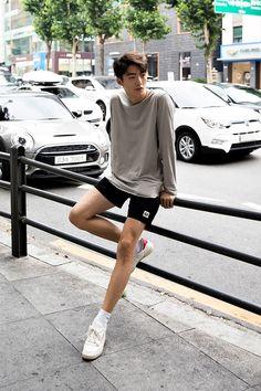 X asian boys: korean boys, ulzzang, t. Korean Fashion Winter, Korean Fashion Casual, Korean Fashion Trends, Korean Street Fashion, Kpop Fashion, Korean Outfits, Asian Fashion, Korea Fashion, Korean Street Styles