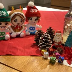 「47diary」特設サイト |関ジャニ∞公式サイト / INFINITY RECORDS オフィシャル ウェブサイト Christmas Bulbs, Table Decorations, Holiday Decor, Home Decor, Christmas Light Bulbs, Homemade Home Decor, Decoration Home, Home Decoration, Center Pieces