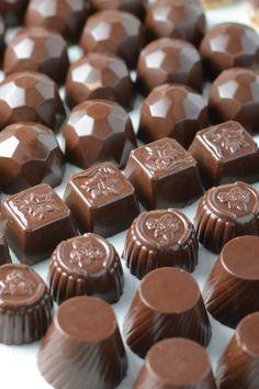 Guide til chokolade temperering fra Bageglad.dk