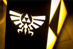 Zelda Triforce lámpara detalle de Hyrule por TheBackPackShoppe