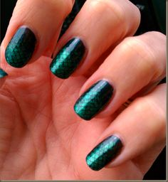 thanks for the fish scale mani inspiration @Trina #fashion #manicure #nailart