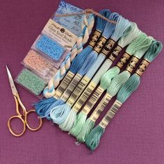 Фотографія Embroidery Bracelets, Dmc Embroidery Floss, Cross Stitch Embroidery, Hand Embroidery, Cross Stitch Patterns, Diy Friendship Bracelets Patterns, Diy Bracelets Easy, Floss Bracelets, String Bracelets