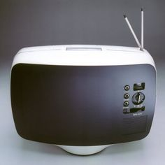 The 1st portable Television by Roger Tallon (1963) Téléavia PA 573