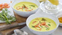 Probiere die leckere Suppe mit exotischem Aroma, aus Avocado, etwas Curry und Räucherlachs. Das Rezept gibt's auf maggi.de