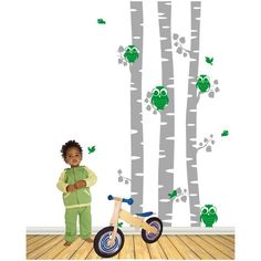 Muursticker berken met schattige uiltjes:- Kan op vrijwelalle vlakke ondergronden geplakt worden- De stickers kunnen afgenomen worden met een vochtige doek- Bij elke bestelling wordt een duidelijke plakinstructie meegeleverd- Afmetingen 250 x 116 cm (H x B)- Beschikbaar in 20 kleuren: Kies kleur 1: boomstamen, kies kleur 2: uiltjes