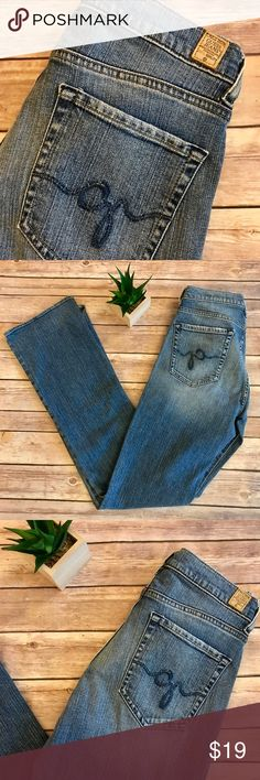 """Guess by Marciano Stretch Straight Leg Jeans🌺 Marciano Guess Stretch Straight Leg Jeans in regular wash denim.  Just your classic cut and style with a little extra stretch and a tad of distressing around front and back pockets.  Size 28.  Measures  TTS at approximately 14"""" waist flat and 32"""" inseam.  No holes, stains, tears.  Nice🌺 Guess by Marciano Jeans Straight Leg"""