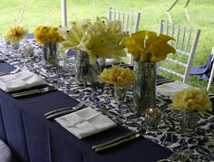 Love navy and yellow weddings!