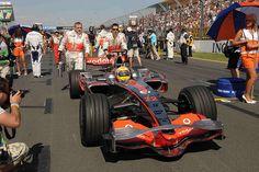 GP AUSTRALIA F1/2008    Melbourne (Australia) 16/03/2008 - lewis hamilton on starting grid  © Foto ercole colombo for bridgestone