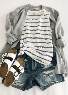 Look du jour ( Mom Outfits, Casual Summer Outfits, Spring Outfits, Fashion Outfits, Fashion Trends, Casual Ootd, Summer Outfits For Moms, Mom Fashion, Fashion Ideas