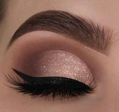 29 Gorgeous Eye Makeup Looks For Day And Evening - eye makeup for blue eyes ,brown eyes , eye shadow Prom makeup -- prom eye makeup or sephora prom makeup Click visit above for more options Evening Eye Makeup, Prom Eye Makeup, Glitter Eye Makeup, Makeup Eye Looks, Eye Makeup Art, Nude Makeup, Blue Eye Makeup, Eye Makeup Tips, Smokey Eye Makeup