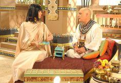 O fato de ter descoberto que não é pai biológico de Nefertati não interferiu na relação entre Paser e a rainha ou diminuiu o amor entre os dois