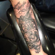 """Gefällt 85 Mal, 1 Kommentare - Kris (@graphikris) auf Instagram: """"#tattoo #blackandgrey #blackandgreytattoo #dove #pocketwatch #pocketwatchtattoo #rose #fineline…"""""""
