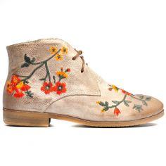 WILSONS | Cinori Shoes #djangojuliette #laceup #ankleboot #embrodery #laceup #booties #cinori #cinorishoes