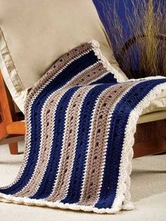crochet blanket pattern use black and beige with thin white/cream line in between