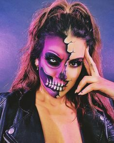 Half Face Halloween Makeup, Halloween Skeleton Makeup, Half Skull Makeup, Half Face Makeup, Amazing Halloween Makeup, Skeleton Makeup Half Face, Halloween Tags, Halloween Makeup Looks, Scary Halloween