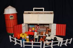 Complete 1967 FISHER PRICE Little People BARN by MyToysRyourToys