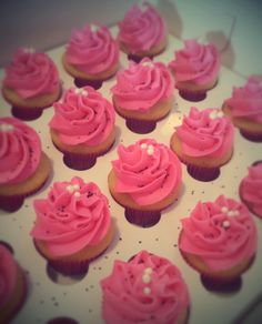 Cupcakes roses - girly pink cupcakes