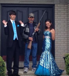 This is too cute! I'm definitely taking a picture like this before prom next year :)