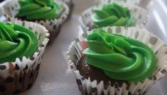 Verdens beste frokostbrød - Veganeren Food And Drink, Cupcakes, Vegan, Baking, Desserts, Baking Soda, Tailgate Desserts, Deserts, Cupcake