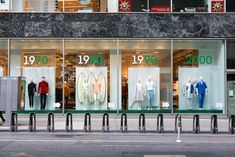 http://thebwd.com/wp-content/uploads/2013/09/best-window-displays_lacoste_2013_80th-anniversary_01.jpg