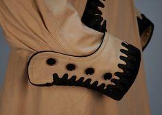 Sleeve detail, appliqued wool promenade suit ca. 1900s Fashion, Edwardian Fashion, Retro Fashion, Vintage Fashion, Women's Fashion, Steampunk Costume, White Embroidery, Collar And Cuff, Historical Clothing
