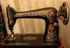 Old Singer Machine, front