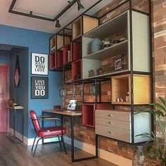 Things That You Need To Know When It Comes To Industrial Decorating You can use home interior design in your home. Even with the smallest amount of experience, you can beautify your home. Industrial Office Design, Industrial House, Home Office Design, Home Furniture, Furniture Design, Regal Design, Tiny House Cabin, Interior Decorating, Interior Design
