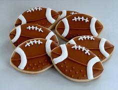 This dessert will ensure that… Super Bowl Dessert: Football Sugar Cookies Recipe. Cute Cookies, Iced Cookies, Royal Icing Cookies, Sugar Cookies Recipe, Cookie Recipes, Cookie Ideas, Football Sugar Cookies, Football Cookie Cutter, Superbowl Desserts