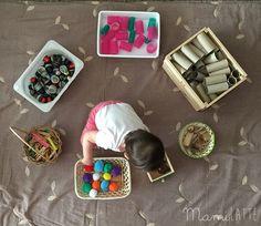 Como ya os he hablado en otros post sobre juego para los más pequeños es bueno que este sea un juego libre , para que el pequeño pued... Reggio Emilia, Infant Activities, Preschool Activities, Heuristic Play, Baby Play, Playroom, Projects To Try, Arts And Crafts, Martini
