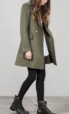 how to put outfits together Winter Fashion Outfits, Fall Winter Outfits, Mode Outfits, Casual Outfits, Dr Martens Outfit, Dr Martens Style, Looks Black, Winter Mode, Mode Inspiration