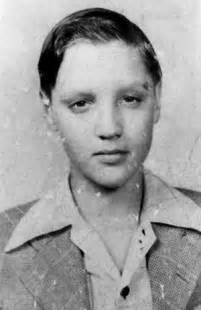 A very young Elvis Presley, Images