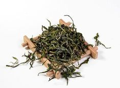[Classic] Lot of Yellow Mountain Mao Feng Tea Dried Organic Loose Leaf Green Tea in Home & Garden, Food & Beverages, Tea Organic Matcha Green Tea, Organic Herbal Tea, Matcha Green Tea Powder, Green Powder, Japanese Matcha, How To Dry Basil, Spring, Herbalism, Herbs