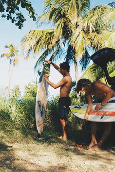 Ocean Beach Surf School teaching surf lessons in San Diego #sandiegosurfschool #sandiegosurflessons #oceanbeachsurflessons http://oceanbeachsurfschool.com