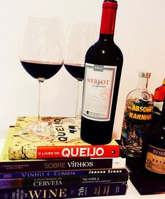 Domingo com vinho é tudo de bom! Se for lacrado com um dos melhores Merlot do Brasil então... A semana vai começar muito bem!  Merlot Terroir - Miolo 😍🍷👏 Vinhaço!! 🇧🇷