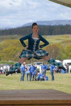 Scottish Highland Dance, Scottish Highlands, Drum Major, Highland Games, Art Things, Plaid Skirts, Manga, Tartan, Balls