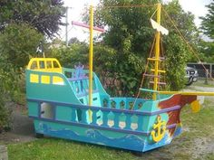 BARNACLE PIRATE SHIP - Gizzy playhouses