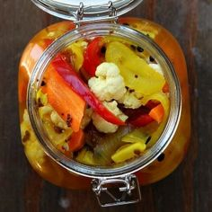 Like I ever have time to make pickles... but this looks delicious!