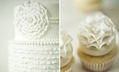 matching cupcakes and wedding cake by francine