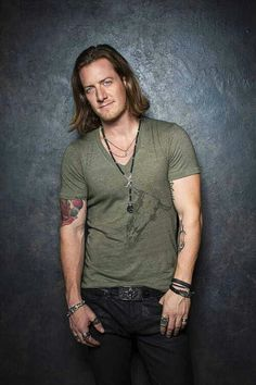 Tyler hubbard on pinterest florida georgia line florida for Tyler hubbard tattoos