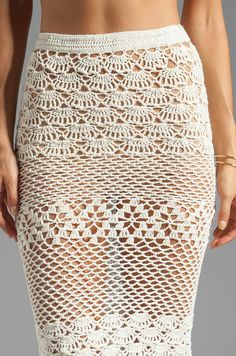 Spell & The Gypsy Collective Coconut Crochet Skirt en Off White | REVOLVE