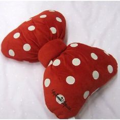 MINNIE MOUSE RED BOW FILLED CUSHION OFFICIAL LICENSED WALT DISNEY 33CM X 40CM