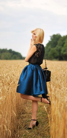 blue midi skirt - forget about the skirt, I want those shoes