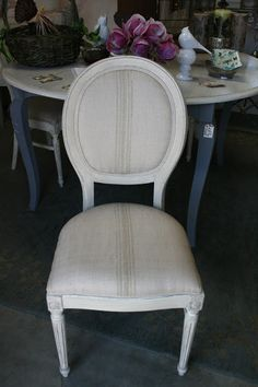 Old White Chalk Paint w French Linen wash