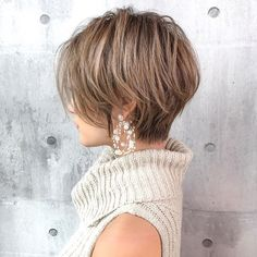 short bob hairstyles For Thick Hair Bobbed Hairstyles With Fringe, Short Shaggy Haircuts, Pixie Haircut For Thick Hair, Messy Bob Hairstyles, Mom Hairstyles, Short Hair With Layers, Short Hair Cuts For Women, Short Hair Styles, Rich Brown Hair