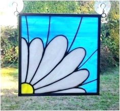 """""""A Simple Daisy"""" White Flower Stained Glass Panel - Cool Glass Art Designs Stained Glass Quilt, Stained Glass Christmas, Stained Glass Flowers, Faux Stained Glass, Stained Glass Panels, Stained Glass Projects, Stained Glass Patterns Free, Stained Glass Designs, Mosaic Patterns"""